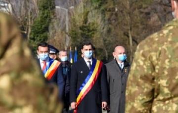 Depuneri de coroane la Monumentul Ostașului Român de 1 Decembrie