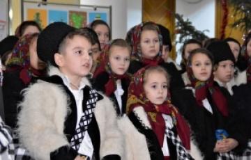 Sute de colindători la Consiliul Județean Maramureș